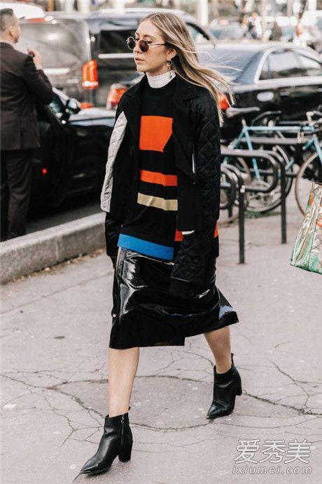 条纹高领打底衫搭配什么外套 条纹衫+短夹克整体造型看起来有趣许多