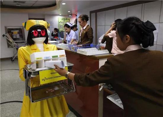 中国护士机器人亮相泰国 引当地媒体关注