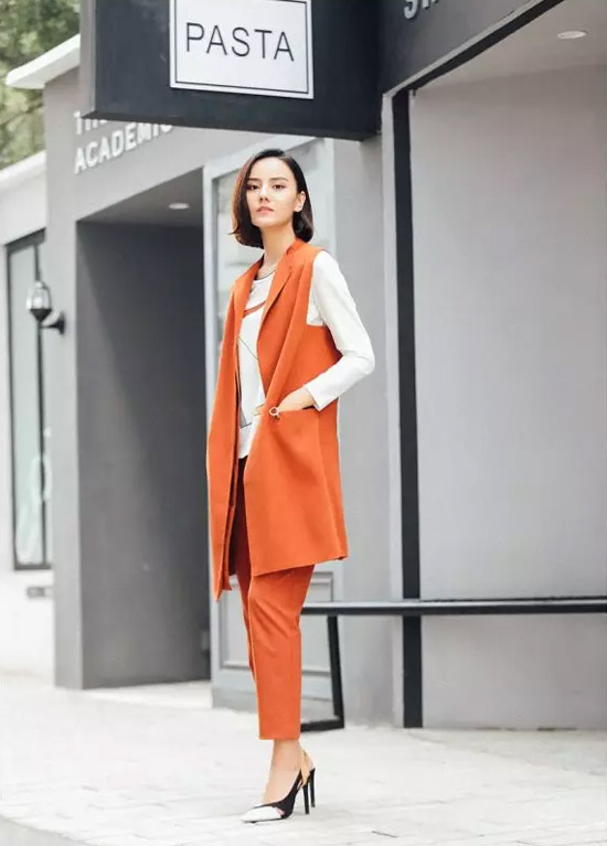 NAERSI时尚女装 肉桂色在欧美名媛中间人气很高