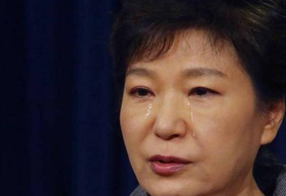 朴槿惠遭检方求刑30年 反对者称应被判处无期徒刑