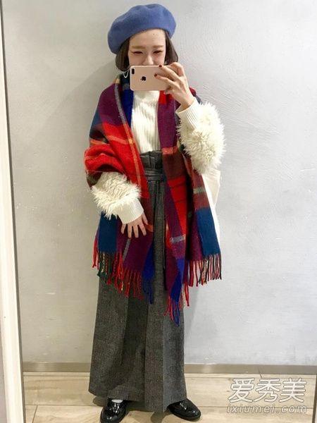 身材娇小的女生如何穿衣搭配 毛衣+宽裤轻松打造休闲风