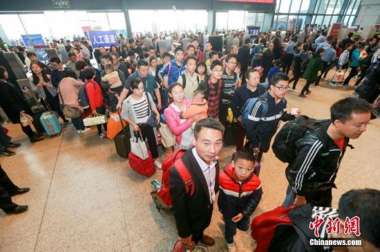 春运铁路旅客2.5亿 新一轮高峰或将于元宵节前后到来