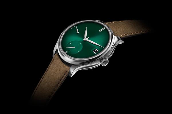 亨利慕推出勇创者万年历PURITY宇宙绿腕表