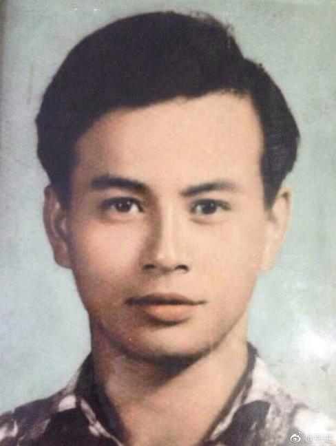 张庭发长文追忆已故父亲:感谢生命中的第一个男人