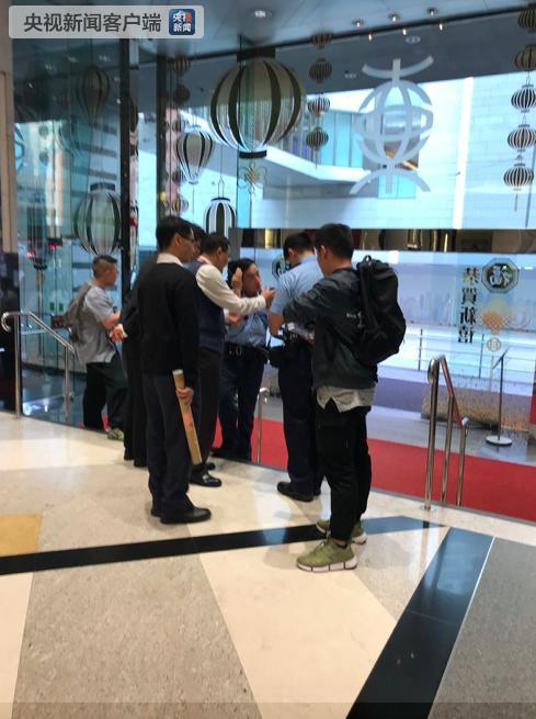 香港东亚总行遭劫 被捕男子57岁