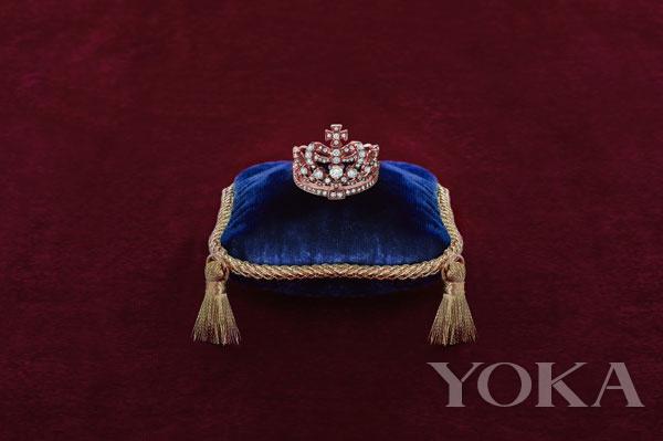 英皇珠宝倾情呈献Crown系列 为女皇们唱诵世间最美的赞歌