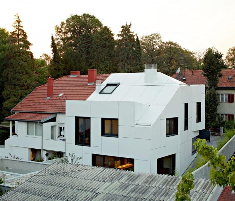 A+A House豪宅:采用木材装饰和中性色调打造温暖的室内空间