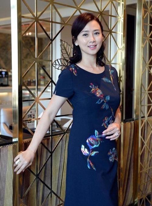 48岁陈红和许晴差距大 许晴到底怎么保养的?