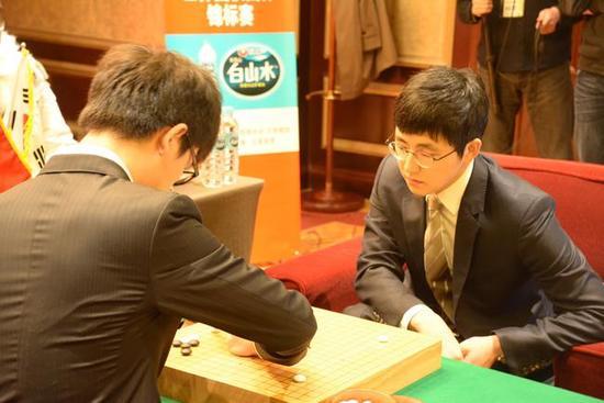 柯洁居然遭逆转 执白中盘不敌韩国副将金志锡