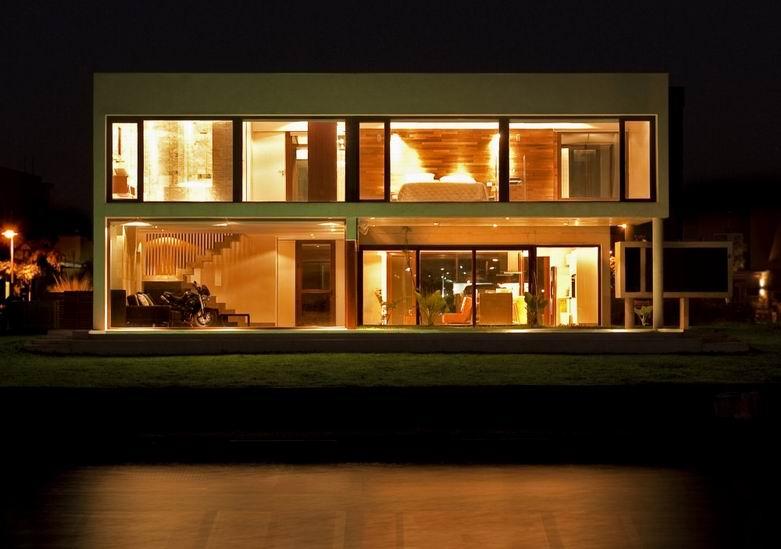"EF豪宅:采用""U""形的设计为客厅带来42平方米的长廊"