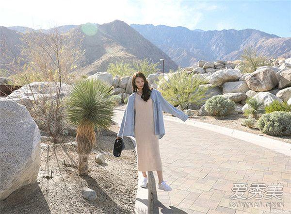 春季懒人搭配技巧 针织长板+牛仔外套穿出时尚感觉!