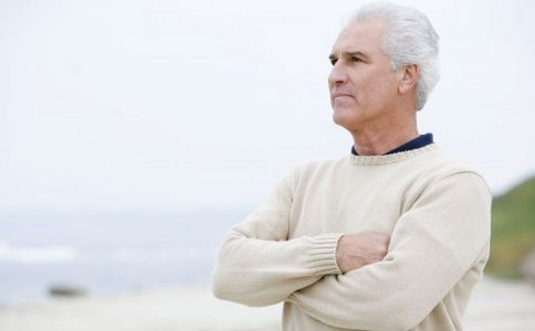 降温后老人出门的注意事项 天冷时老人如何养生 降温后老人怎么养生