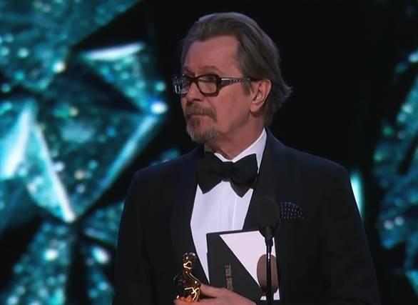 加里•奥德曼凭借《至暗时刻》获奥斯卡最佳男主角