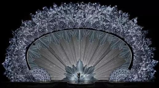 4500万颗水晶打造奥斯卡舞台 篮球巨星科比拿下小金人