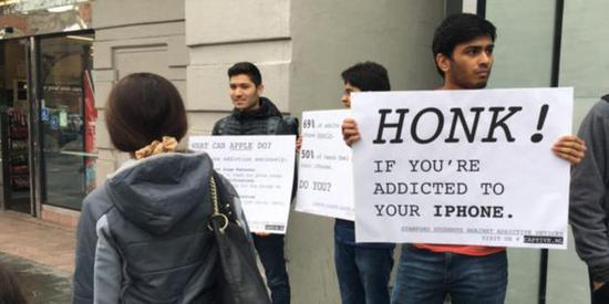 斯坦福抗议苹果 直指其在阻止电子产品上瘾方面缺乏行动