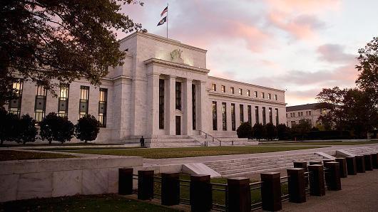 """美联储理事:经济""""逆风正在转为顺风"""""""