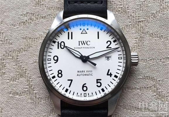 万国表推出马克18飞行员腕表