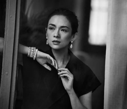 高级珠宝品牌布契拉提携手黑白摄影大师彼得 • 林德伯格拍摄全新广告大片