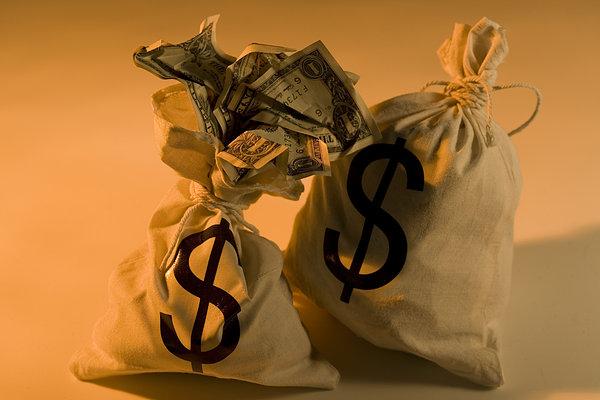 美元持续贬值危及储备货币地位?想太多了!