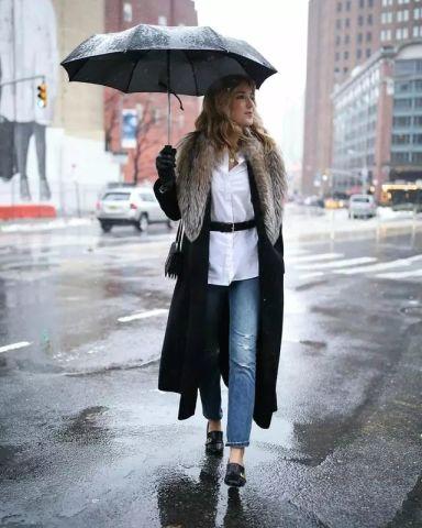 白衬衫成控温换季神器 快来get开春时尚流行元素