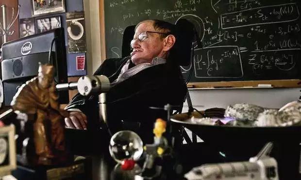 """史蒂芬·霍金去世 少年时曾被人送绰号""""爱因斯坦"""""""