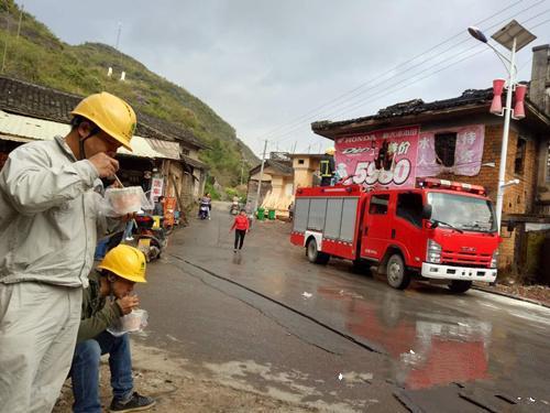 江华电力:全力协助消防保电工作