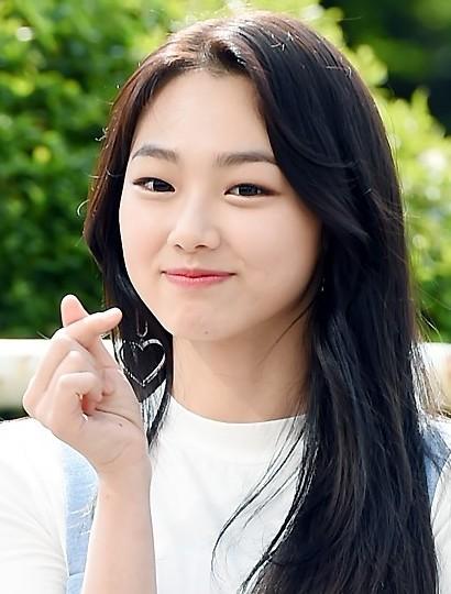 韩女团成员mina搭档世勋 共同出演《独孤rewind》