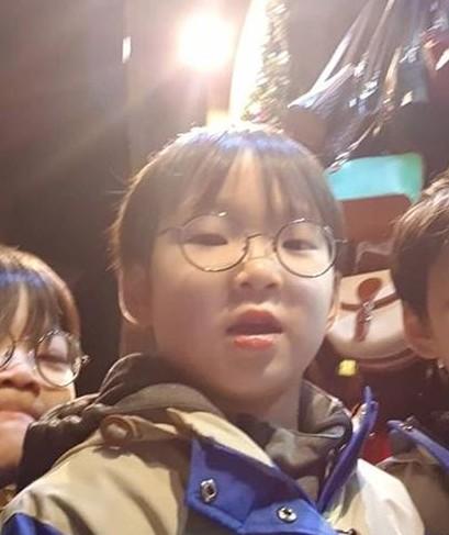 宋一国更新儿子大韩近况 网友大赞其和爸爸一模一样