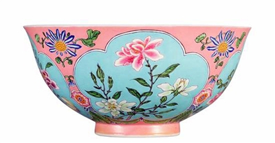 4月香港拍卖季 御制珐琅彩花卉碗引人注目