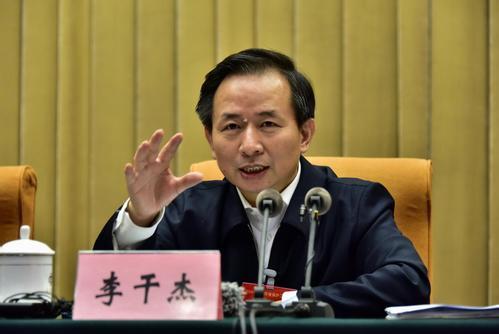 李干杰亮相谈履新感受 坚定不移推动生态环境保护