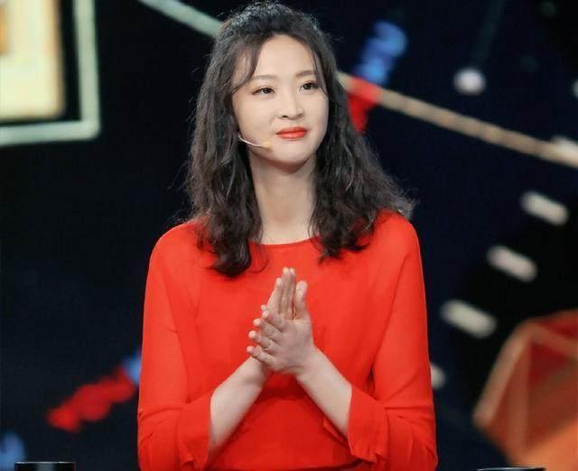 惠若琪首次公开恋情 神秘男友没她高