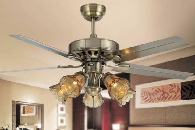 装修时客厅能否用吊扇灯