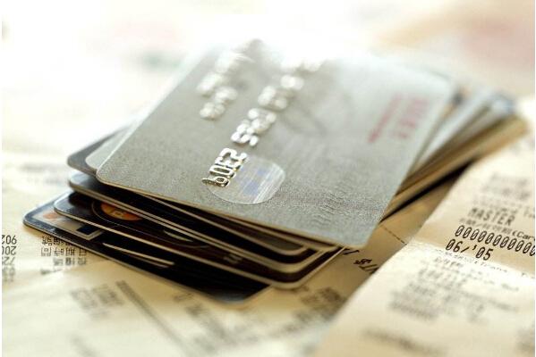 信用卡为什么会被冻结 该如何正确用卡?