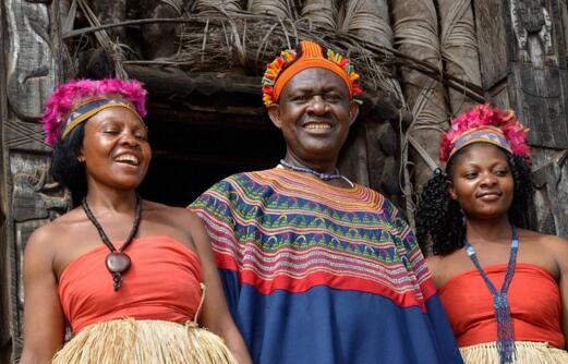 非洲一男子继承父亲100个老婆 身份地位再度提高