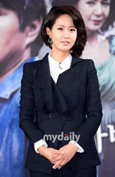 韩女星申恩庆无力偿还税款申请个人破产