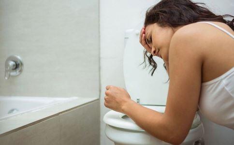 痛经为什么会呕吐 女性痛经呕吐怎么办 痛经呕吐吃什么好