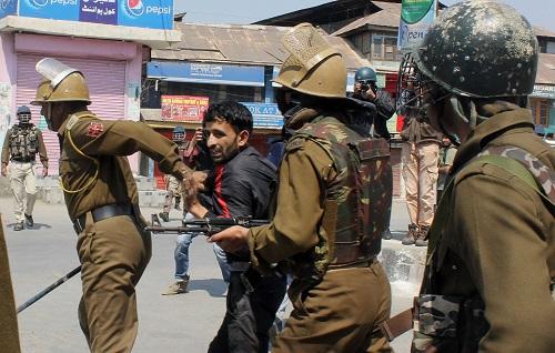 印控克什米尔冲突不断 已造成至少20人丧生