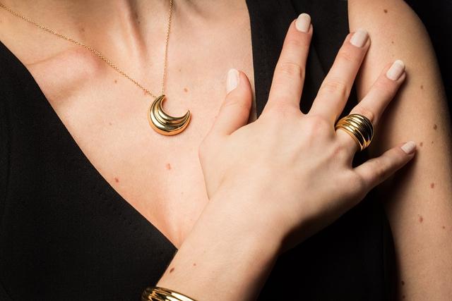 意大利珠宝商Damiani推出新月之光系列