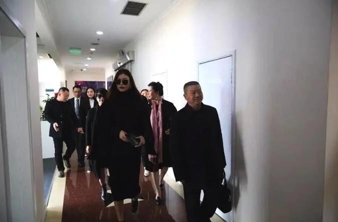 汪峰第二任前妻近照曝光 疑为重新复出工作