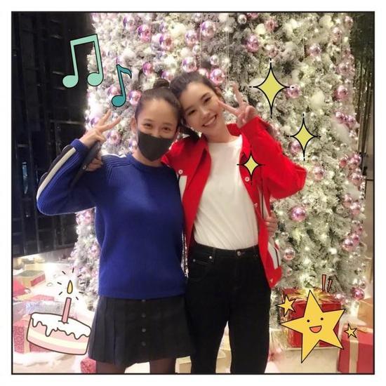 奚梦瑶为陈乔恩庆生 两人看起来都活泼可爱