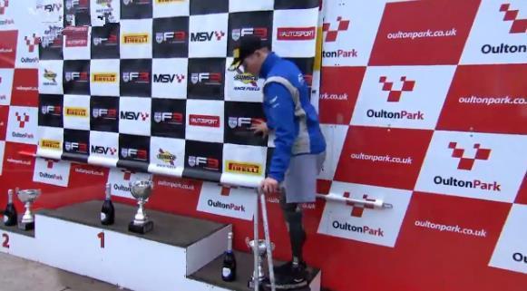 英18岁截肢少年重返f3赛场 获得第3名的好成绩