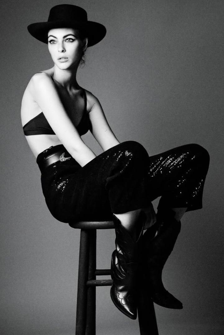 超模Vittoria Ceretti演绎西部黑白风大片