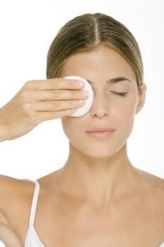 卸妆水的使用方法