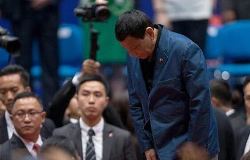 事隔八年 菲律宾就香港游客死亡事件总统道歉