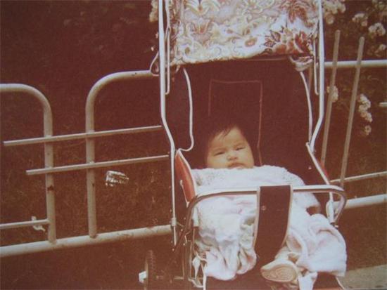 《妈超》曝光黄圣依童年照,安迪安麟谁更像妈妈?