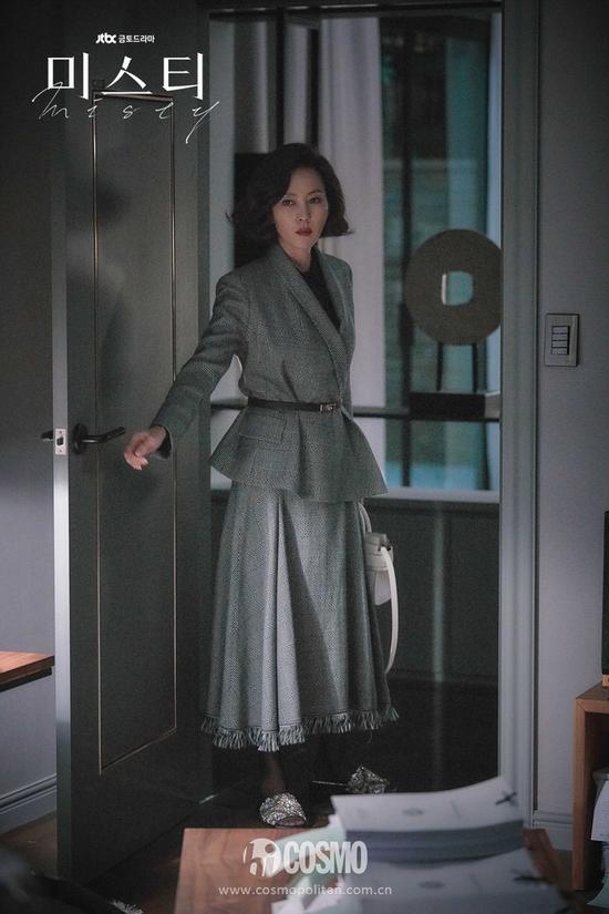 电视剧中职场女性的气质穿搭