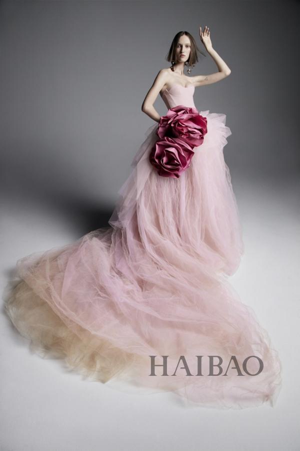 Vera Wang 2019春季婚纱系列 异色系新娘