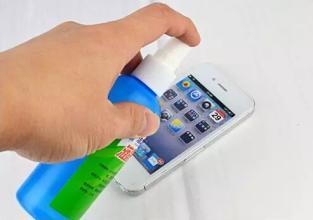 手机竟比马桶还脏 清洁液是否真的有必要买呢?