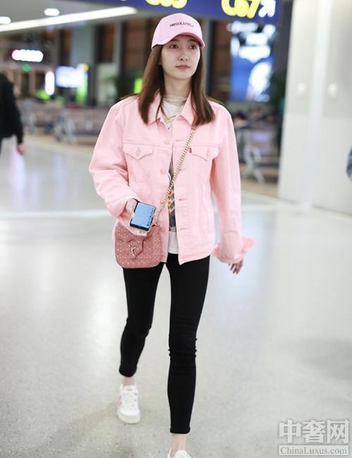 充满少女感的粉红色穿搭