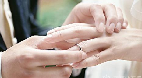 铂金戒指哪个品牌好